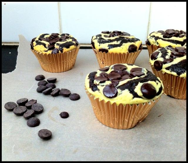 Cheesecake Swirl Cupcakes   Blue Owl Treats