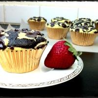 Cheesecake Swirl Cupcakes
